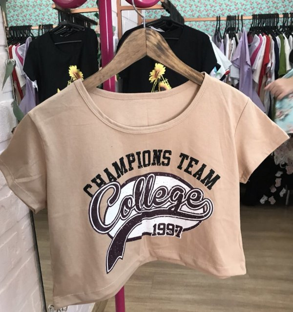 Cropped com manga champions college