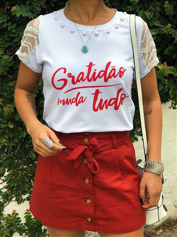 T-shirt Gratidão Bordada com renda