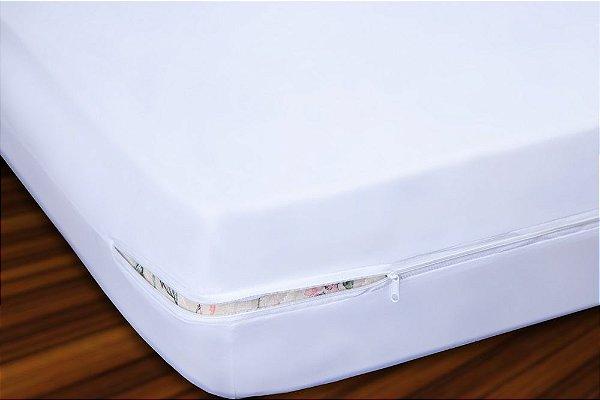Capa para Colchão Casal em Malha com Ziper 30cm Altura - Branco
