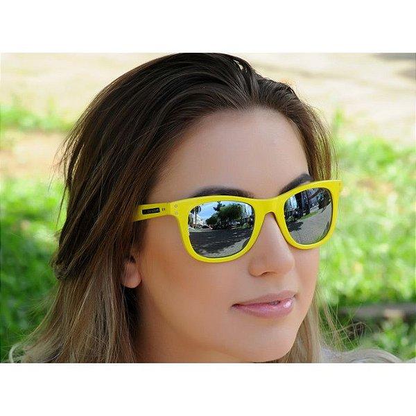 591d9a1160232 Oculos de sol jackdaw amarelo brilho com lentes cinza semi espelhado jpg  600x600 Semi espelhado