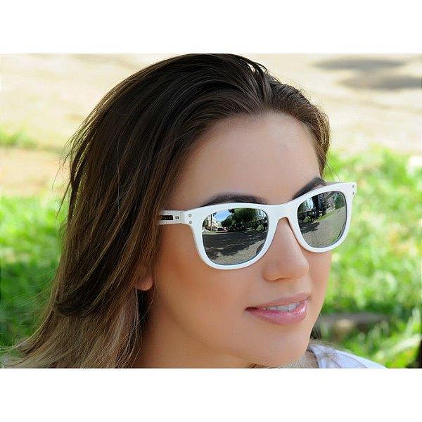 Óculos de Sol Jackdaw 31 Branco Brilho com Lentes Cinza Espelhado