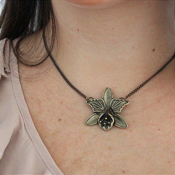 Gargantilha orquídea ouro vintage