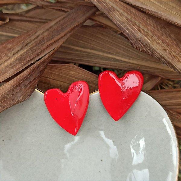 Brinco coração pintado vermelho