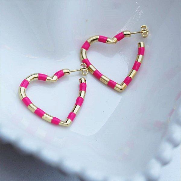 Argola rainbow coração neon M