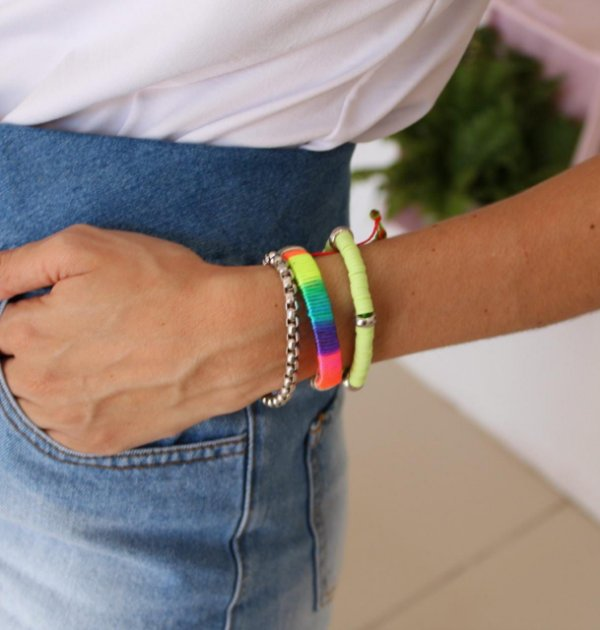 Kit de pulseiras cores vibrantes