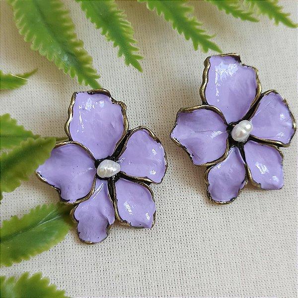 Brinco lírio lilás