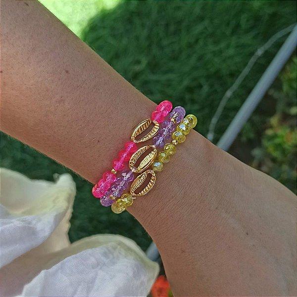 Trio de pulseiras cristais com búzio
