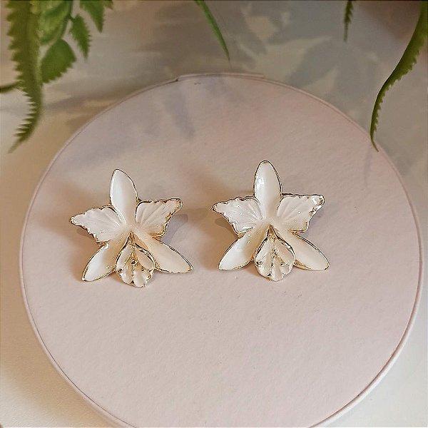 Brinco orquídea pintada branca