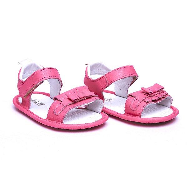 Sandália 100% Couro. Fecho Velcro. Cor Rosa Chiclete.