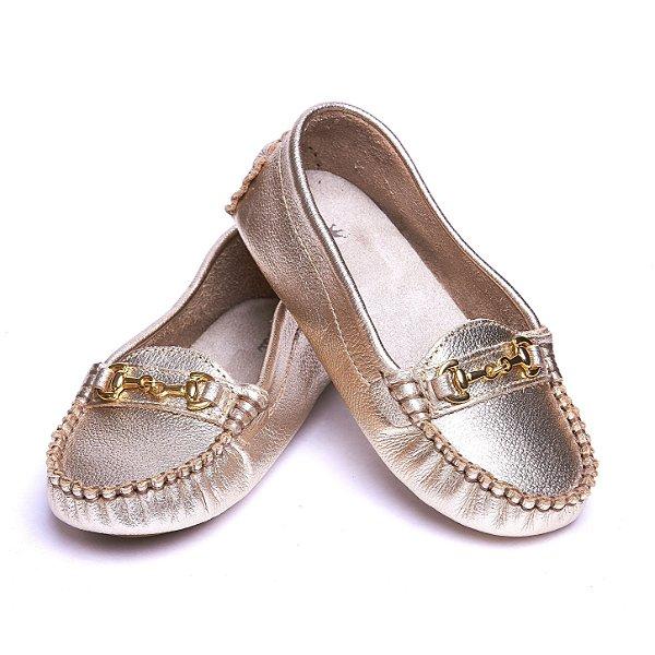 Mocassim 100% Couro. Dourado. Sapato Conforto. Solado Flexível.