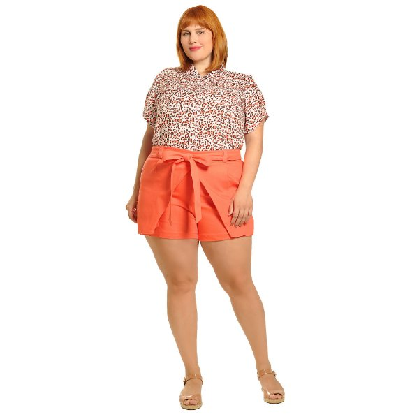 Camisa plus size com coração estampa oncinha coral