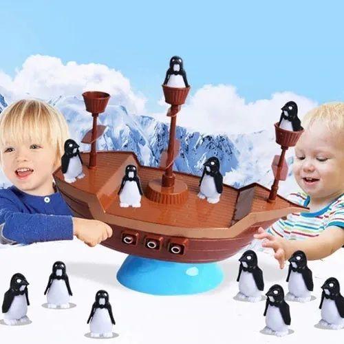 Jogo Infantil Navio Virou Perdeu O Pinguim No Navio Pirata