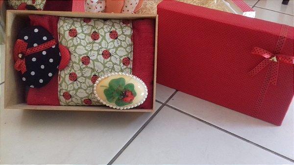 caixa encapada com tecido