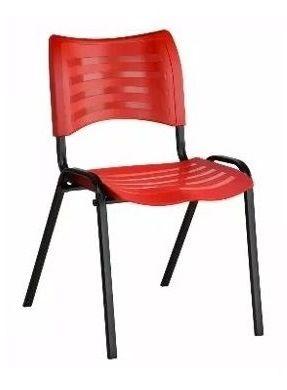 Cadeira Plast Vermelha Empilhavel