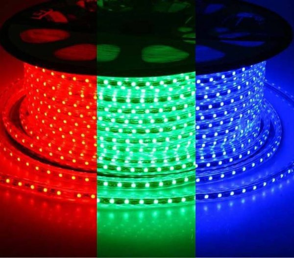 Mangueira LED RGB Achatada MultiColorido 100 metros 110v Ultra Intensidade - A prova dágua