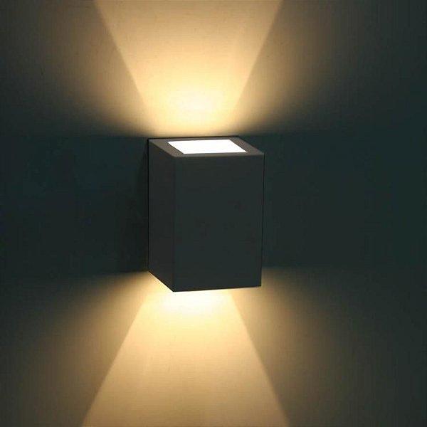 Luminária Arandela LED 10W A prova d'agua IP66 Branco Quente 3000k - Retangular Externa