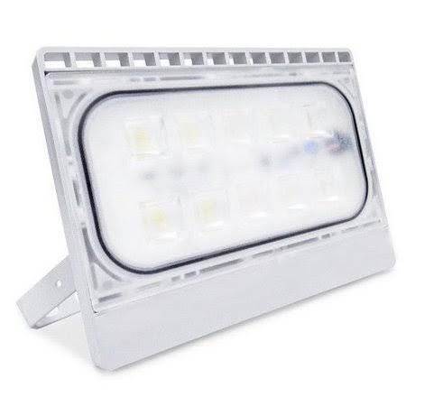Refletor Holofote Ultra LED 30W Branco Frio IP66 A Prova D'agua Bivolt