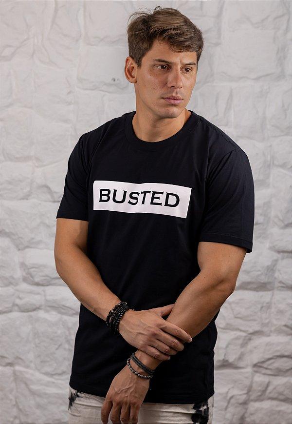 Camiseta Gola Tradicional Preta Busted Leaked
