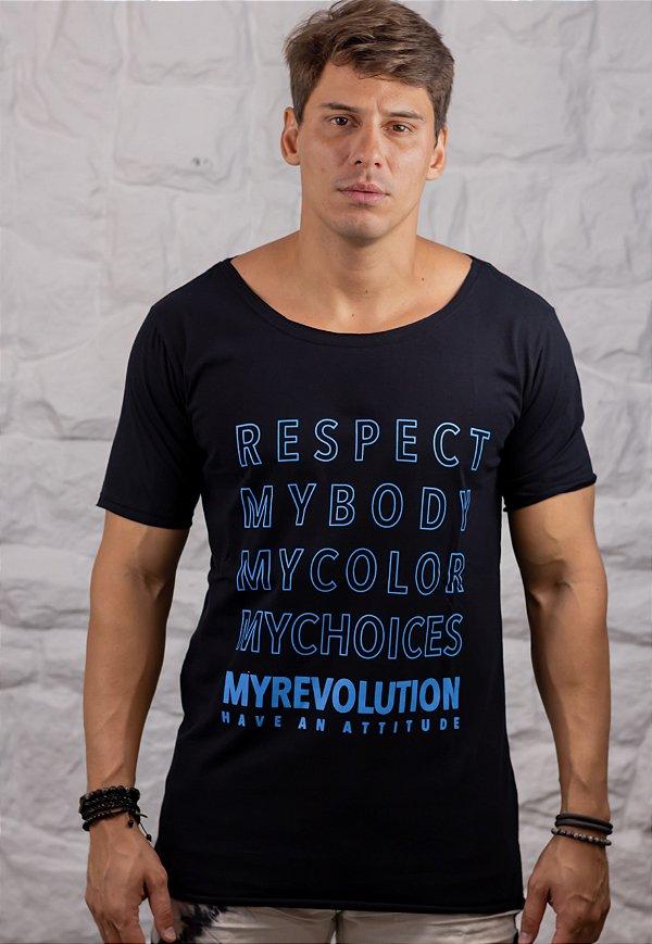 Camiseta Gola Canoa Preta Respect My Body