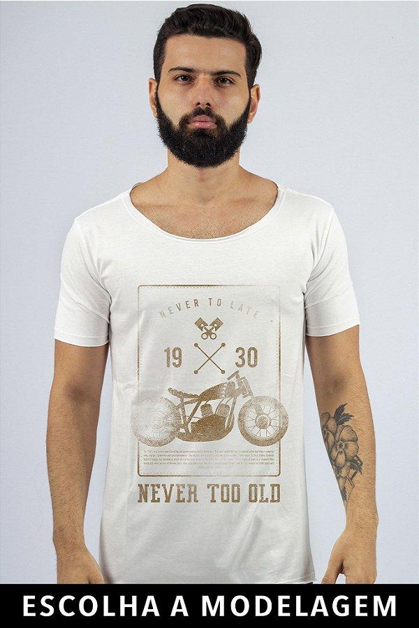 Camiseta Branca Never Too Old