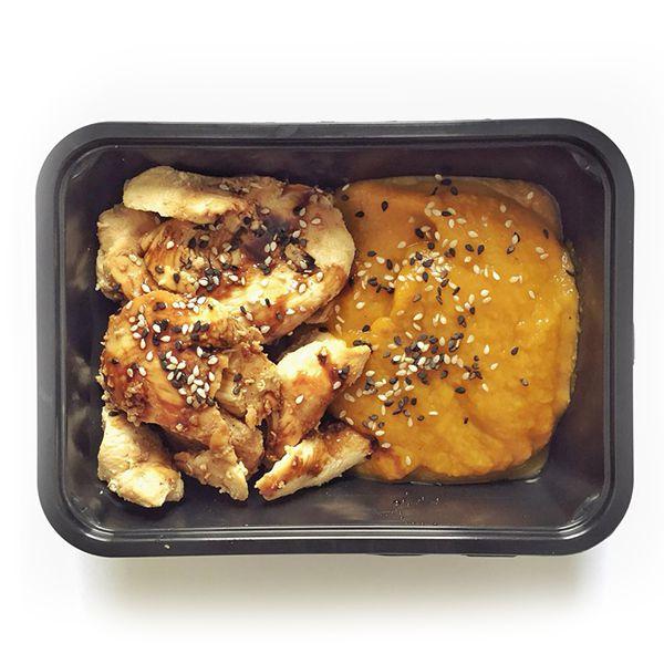 Escalope de frango ao molho Teriaky e Purê de abobora - low carb