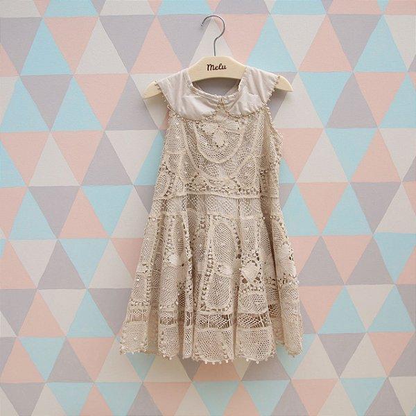 Vestido com Renda Renascença Bege Godê Isabela - 1 a 2 anos