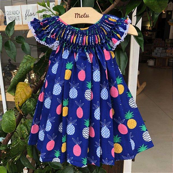 Vestido Casinha de Abelha - Azul com abacaxis coloridos