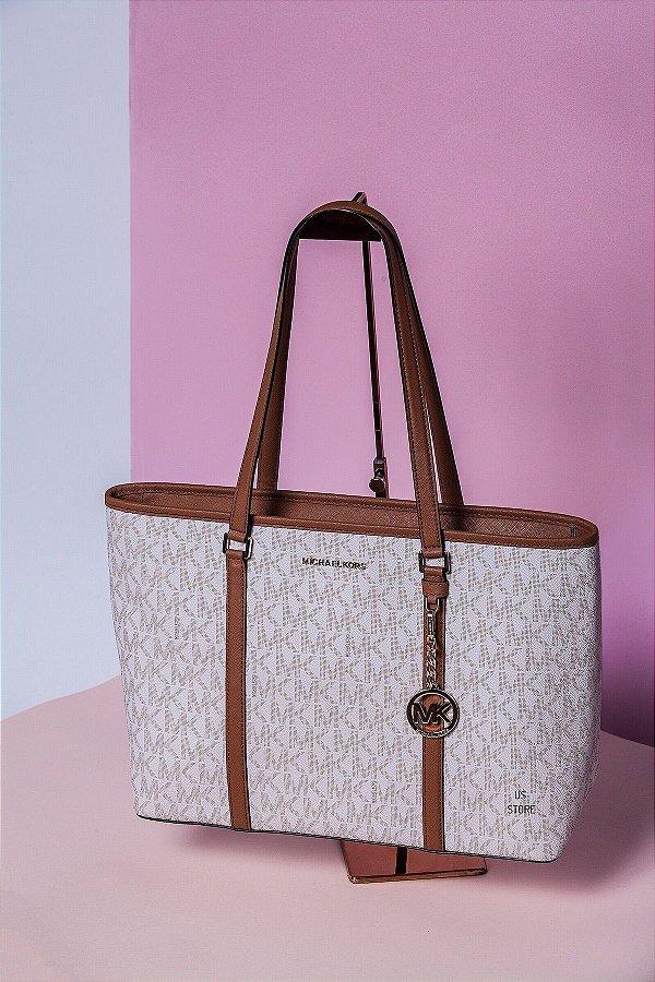 61e7606f2 Bolsa Michael Kors Vanilla com Ziper - Us Store