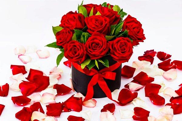 Box de Rosas. Grátis 01 Lindo Lenço de Cetim