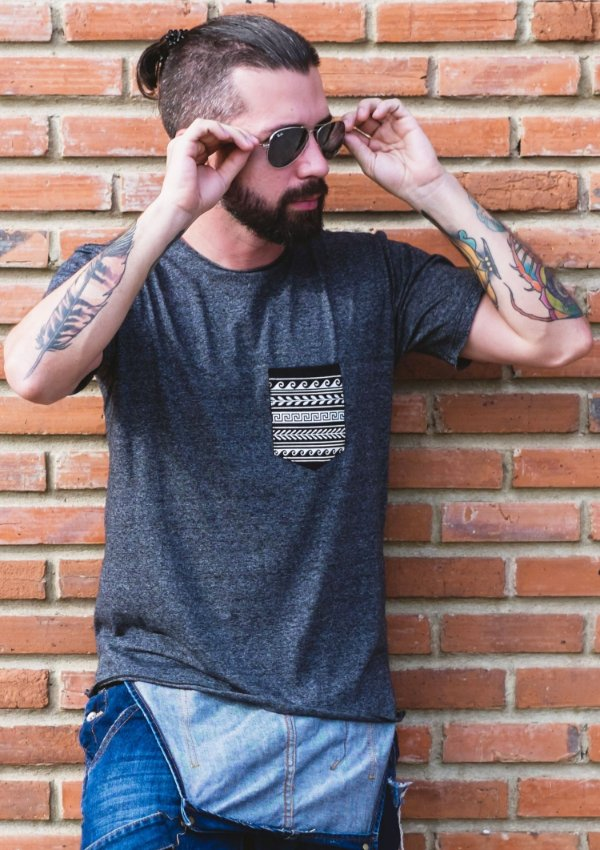 Camiseta Pocket Greek