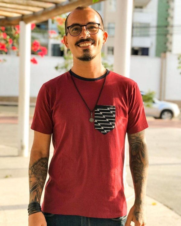 Camiseta Sequence Lines