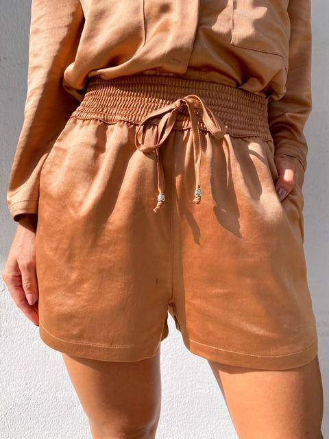 Shorts Bruna Ladrilho