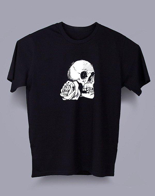 Camiseta Tradicional Caveira