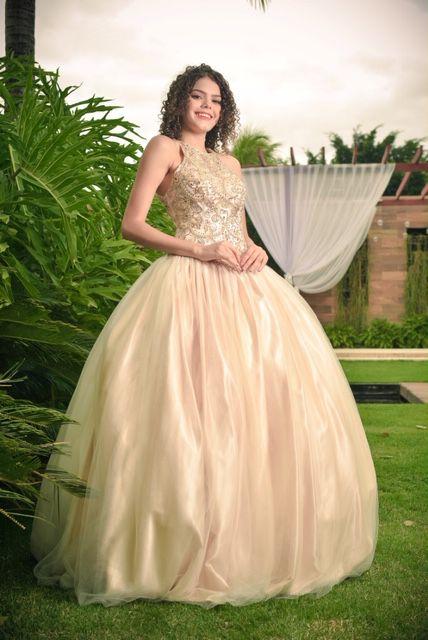 Vestido de Festa Debutante Dourado Bordado Karine Aluguel