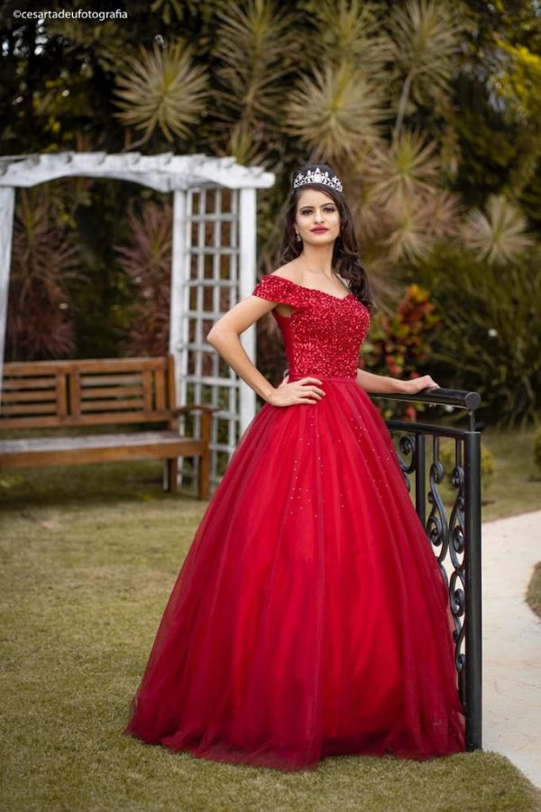 Vestido de Festa Debutante Vermelho  Longo Bordado Morgana Aluguel