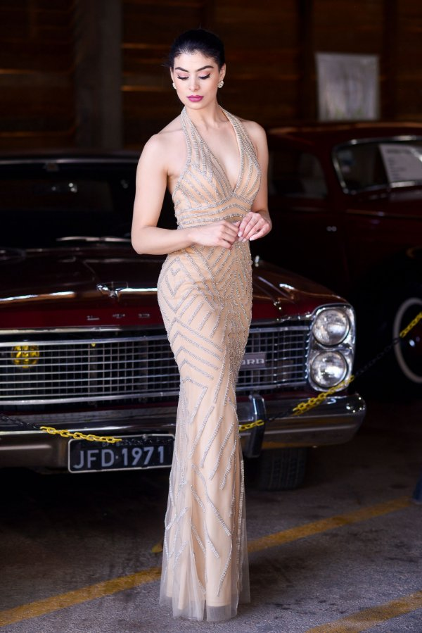 Vestido de Festa Dourado Longo Sereia Decote Georgia Aluguel