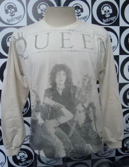 Camiseta manga longa toda estampada - Queen - Bege