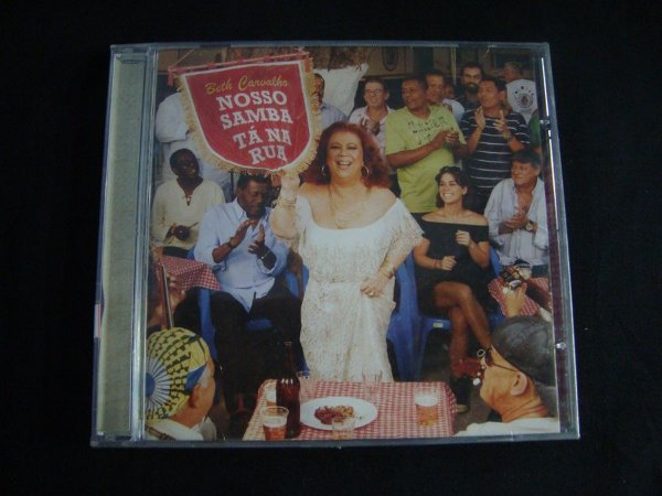 CD Beth Carvalho - Nosso Samba Tá Na Rua