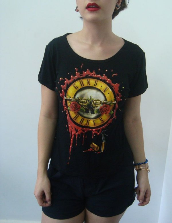 Baby look customizada - Guns and Roses - Sangue