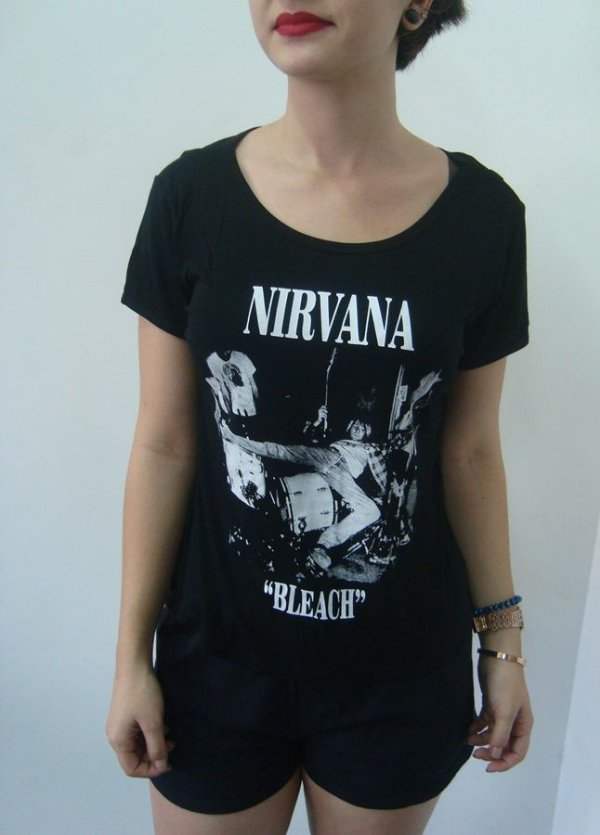 Baby look customizada - Nirvana - Bleach