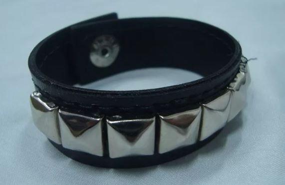 Bracelete de Rebites - 1 Fileira