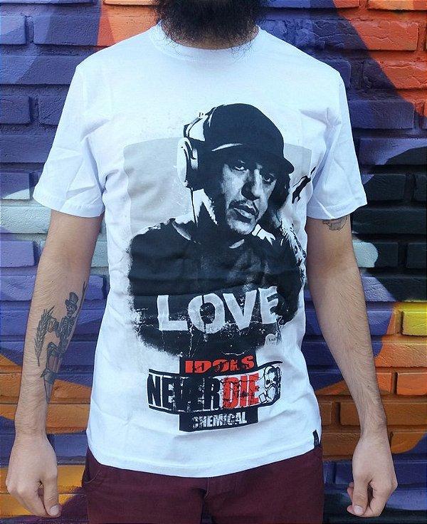Camiseta Idols Never Dies - Chorão