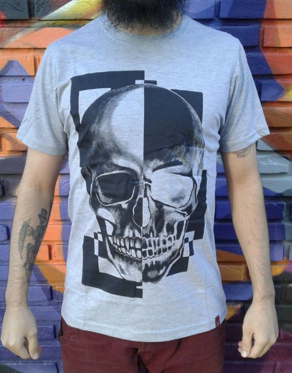Camiseta Caveira - Skull Black & White