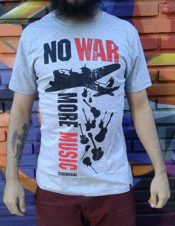 Camiseta No War, More Music