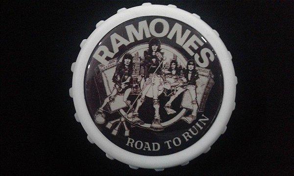 Abridor de Garrafas / Imã - Ramones - Road to Ruin