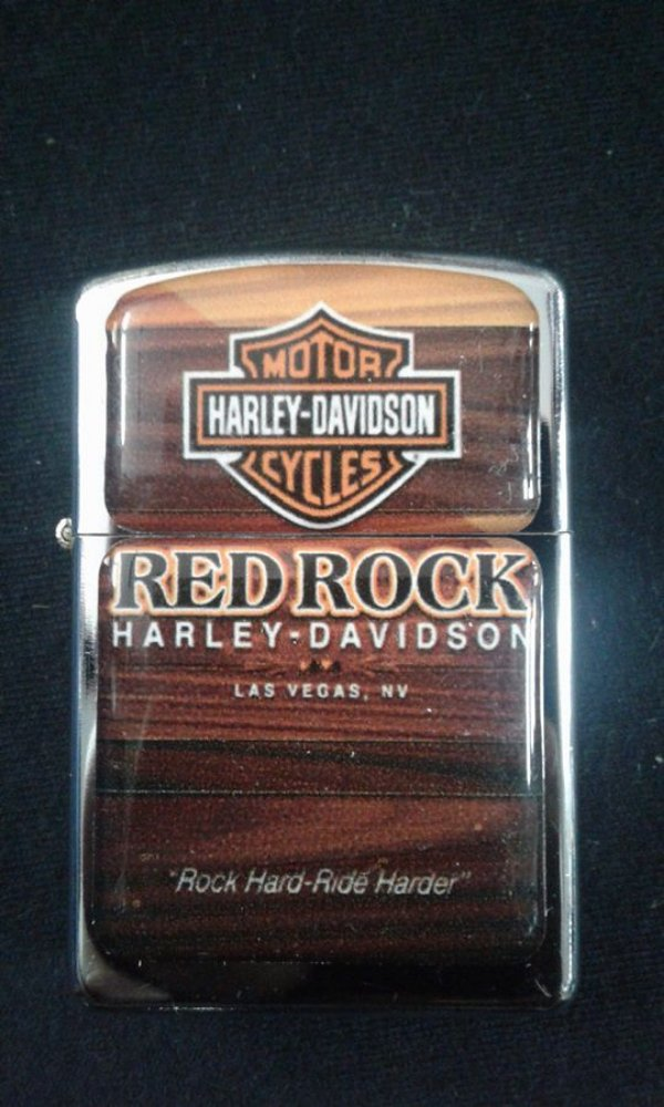 Isqueiro - Harley Davidson Motorcycles - Red Rock