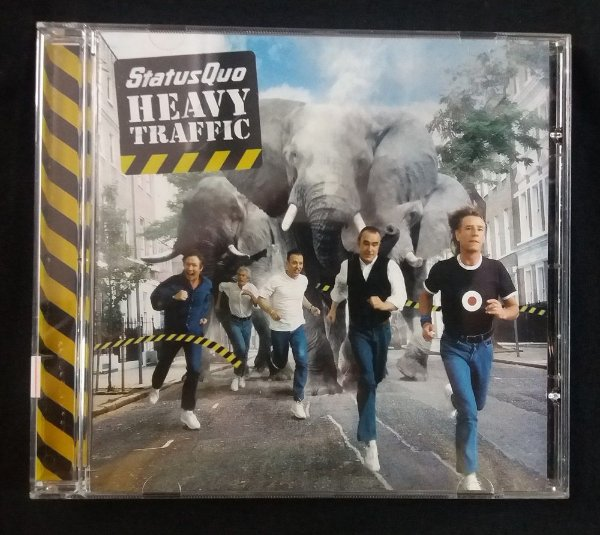 CD Status Quo - Heavy Traffic