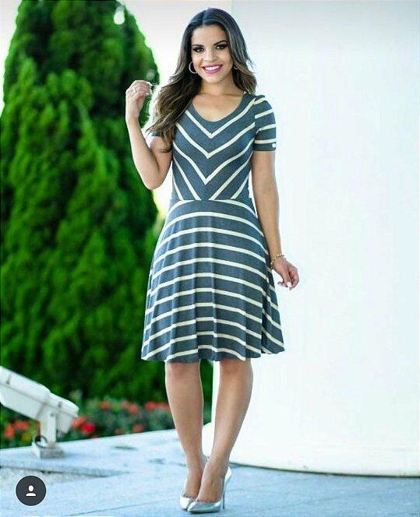 Vestido Simone - Tamanho 42 - Moda Evangélica Executiva