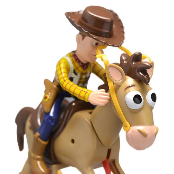 Boneco Toy Story Woody e Cavalo Bala No Alvo Disney - Toyng