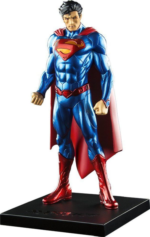 Superman New 52 ArtFX+ Statue 1/10 - Kotobukiya